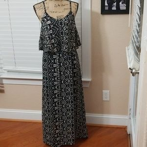 black and white Maxi dress Fun and Flirty large